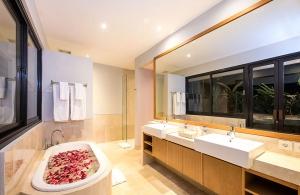 Villa Anahit - 2nd Bedroom Ensuite