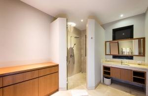 Villa Anahit - Media Room, Bathroom