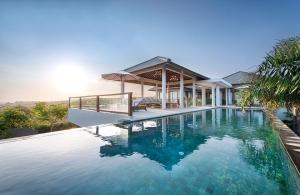 Villa Anahit - Infinity Pool & Exterior
