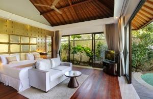 Villa Saujana - Master Bedroom
