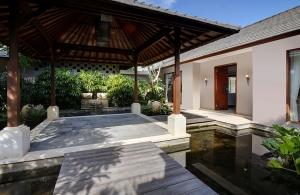 Villa Saujana - Entrance