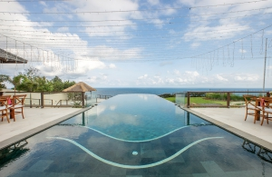 Villa Bale Agung - Infinity Pool