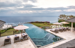 Villa Bale Agung - Infinity Pool & views