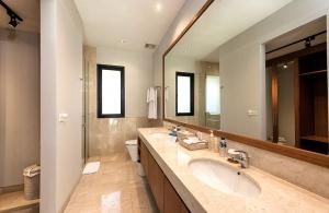 Bedroom 3 Ensuite